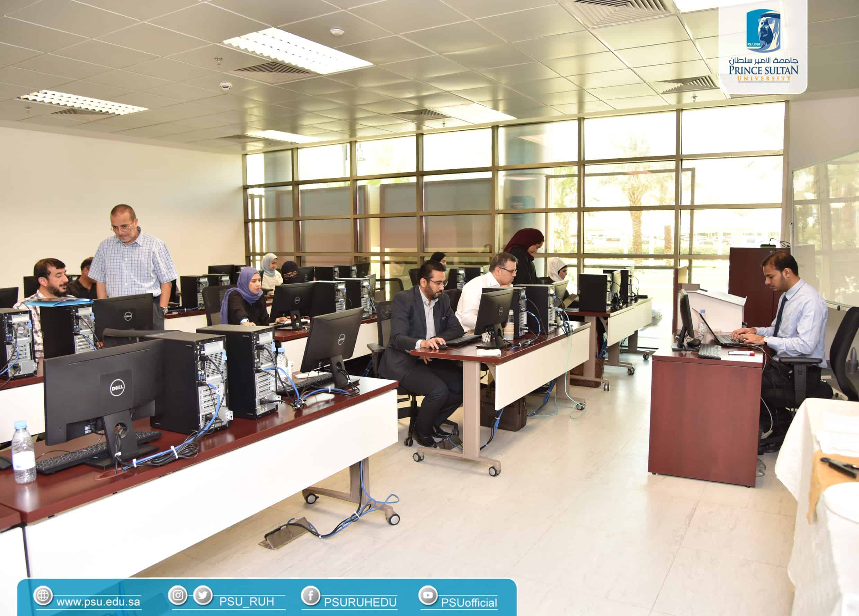 كلية علوم الحاسب والمعلومات أقامت دورة تدريبية لأعضاء هيئة التدريس بالتعاون مع شركة EC-Council