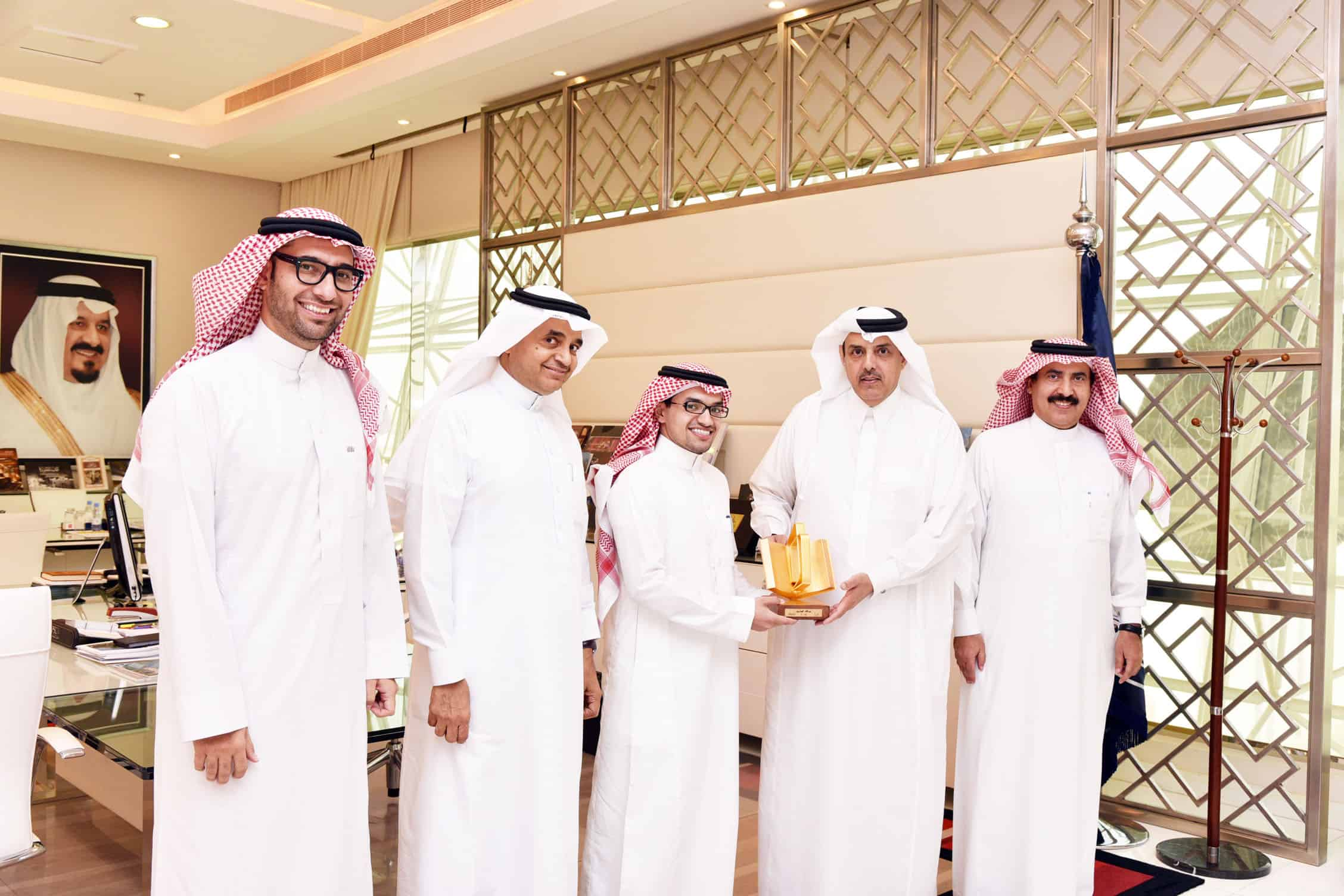 """His Highness the Chairman of Board of Trustees Honors the Student Almoshwah for Winning the Title of """"The Year Reader"""""""