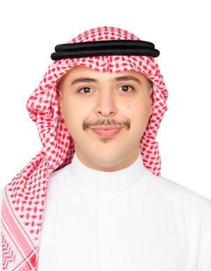 تكريم أحد المتدربين من طلبة قسم المالية في كلية الأعمال من قبل شركة الاتصالات السعودية
